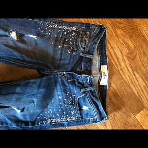 Hollister 1R straight jeans.